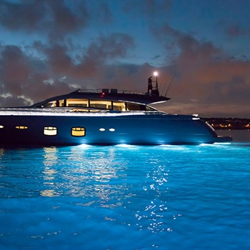 How To Maintain Underwater Boat Lights