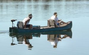 How to Put a Trolling Motor on a Canoe Featured